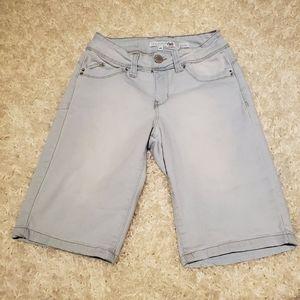 Wannabettabutt Bermuda shorts